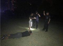 """""""考完不喝酒,寡到没朋友?""""凌晨1点,民警拍下高考"""